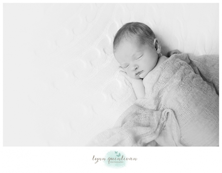 Lynn Quinlivan Photography Massachusetts Photographer MA Worcester Millbury Holden Sutton Shrewsbury Grafton Artistic Newborn Baby Photography Images Millbury Mass Holden Shrewsbury Grafton Sutton Worcester_0024