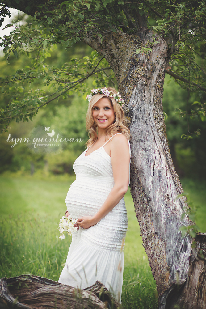 MA Outdoor Pregnancy Photographer